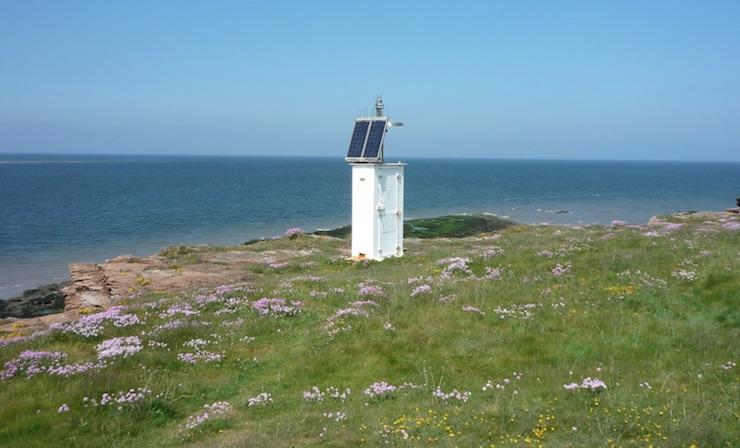 hilbre island beacon
